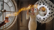 4x07 Ingrid Reine des Glaces Emma Swan bougie sortilège tour de l'horloge miroir flammes magie piège