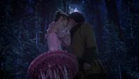 1x14 Fée Nova nain Grincheux Rêveur baiser