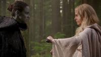 5x07 Emma Swan Nimue dague du Ténébreux duel affrontement