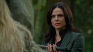 5x01 Emma Swan dos Regina Mills confiance dague protection destruction méchante Ténébreuse