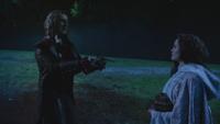 2x16 Rumplestiltskin Cora doigts promesse serment vengeance revanche contrat bébé