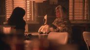 5x14 Regina Mills Cruella d'Enfer sac à main carte