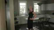 5x02 Emma Ténébreuse présentation maison Swan cuisine