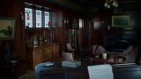 4x01 Maison du Sorcier manoir salon séjour boîte du Sorcier