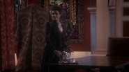 1x12 Méchante Reine Regina Thé Château des Ténèbres Rumplestiltskin Belle