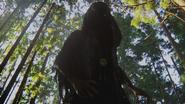 2x01 Spectre médaillon forêt de Storybrooke