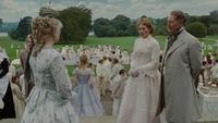 Alice au Pays des Merveilles Extra arrivée mariage parents Ascot