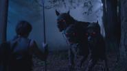 5x13 Hercule Cerbère chien à trois têtes des Enfers lance rencontre affrontement confrontation nuit Royaume forêt enchantée