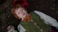 1x20 Pinocchio allongé au sol