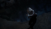 1x22 Emma Swan bataille dragon arme à feu