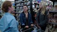 4x05 Lily Emma jeunesse vol supermarché