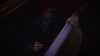 7x03 Anastasie cercueil