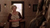 1x02 Granny Emma Swan embarassée demande partir
