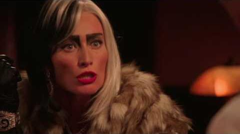 """OUAT S5 DVD Extra """"Knight with Cruella"""""""