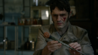 5x22 Mr Hyde sang blessure visage baguette de l'Apprenti