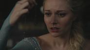 4x01 Elsa Reine des Neiges Storybrooke flocon Anna