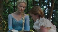 4x01 Elsa Reine des Neiges journal Anna forêt Arendelle projet secret