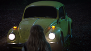 7x14 Voiture jaune Alice sauvetage
