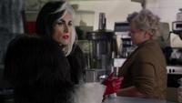 4x13 Cruella Granny refus servir café