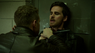 6x12 Killian Jones couteau gorge David Nolan colère vengeance