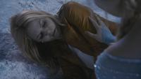 4x02 Emma Swan Elsa prison grotte caverne de glace froid coma