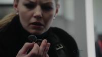 Emma et micro 1x18