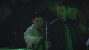 6x07 Mary Margaret Blanchard David Nolan arbuste magique mains