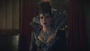 6x08 Méchante Reine Regina sérum doppelgänger caveau Mills miroir magique rideaux blessée