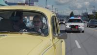 2x06 Neal Cassidy Emma Swan volant voiture Coccinelle jaune police gyrophare infraction code de la route juron galère Portland