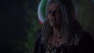7x17 Sorcière cannibale Hilda inquiétude aveugle