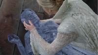 4x07 Helga transformation glaçon Ingrid Reine des Glaces mort tragique