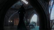 3x12 Zelena Méchante Sorcière de l'Ouest apparition dos entrée appartement chambre royale palais sombre