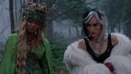 4x13 Ursula Cruella d'Enfer forêt enchantée regards découverte inspection