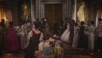 5x12 palais sombre salle du trône anniversaire Méchante Reine Regina cadeaux présents invités cour royale arrivée retour Cora