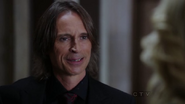 Shot 1x03 Mr Gold