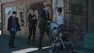 4x01 famille Charmant promenade Henry Mills Emma Swan David Nolan Neal Fils Mary Margaret Blanchard