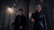 5x10 Henry Mills Emma Dark Swan trouvaille attrape-rêves protection sort confiance magie rendue bracelet inhibiteur