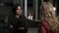 1x03 Hôpital entrée Regina Emma discussion