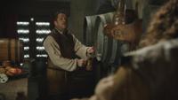 4x17 Robin de Locksley Petit Jean tavernier barman chope
