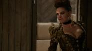 6x20 Reine Regina Méchante Reine Love Doesn't Stand a Chance chanson mouvement poitrine atelier de Geppetto menace couteau à bois