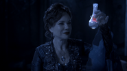 203 Cora poussière cendres Armoire Magique nuit