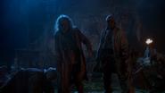 2x08 morts-vivants zombies debout cabane village refuge nuit