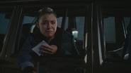4x05 Lily voiture pleurs