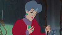 Cendrillon (Disney) 1950 méchante belle-mère marâtre Madame Lady de Trémaine excuses