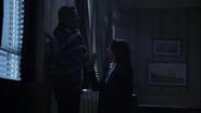 2x01 Regina tuer David branches