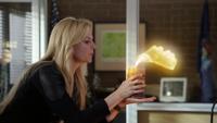4x07 Emma Swan poste de police Storybrooke bougie magique souffle flamme