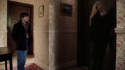 Shot 2x20 Emma Henry Durchsuchung