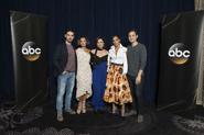 TCA 2017 Saison 7 distribution principale casting régulier Colin O'Donoghue Gabrielle Anwar Lana Parrilla Dania Ramirez Andrew J. West