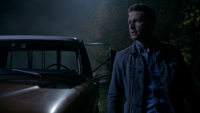 5x08 David Nolan voiture direction tente Arthur