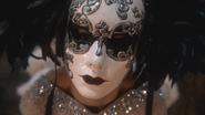 2x16 danseuse bal masqué masque vénitien